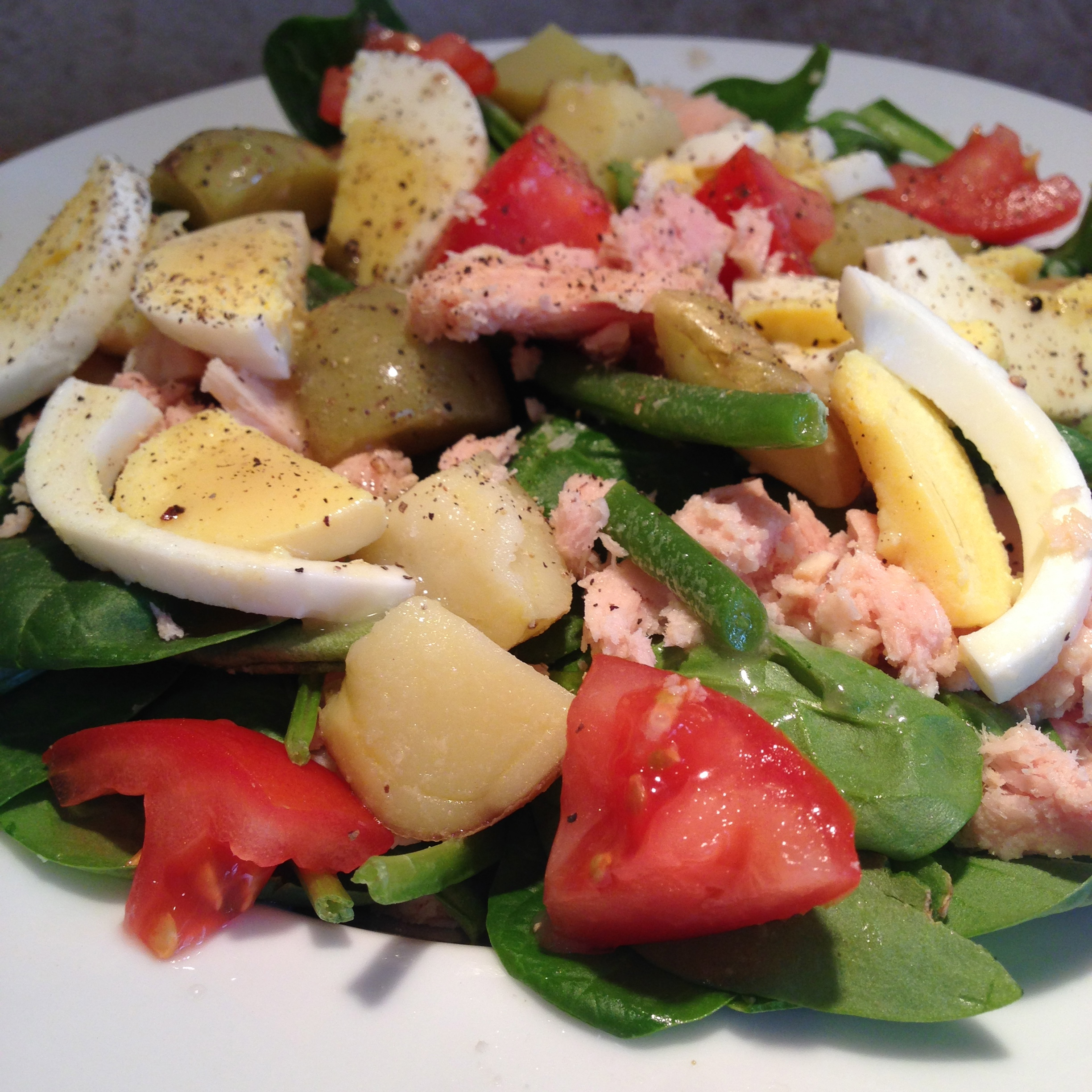 Hard Boiled Eggs, Spinach, and Tuna Potato Salad
