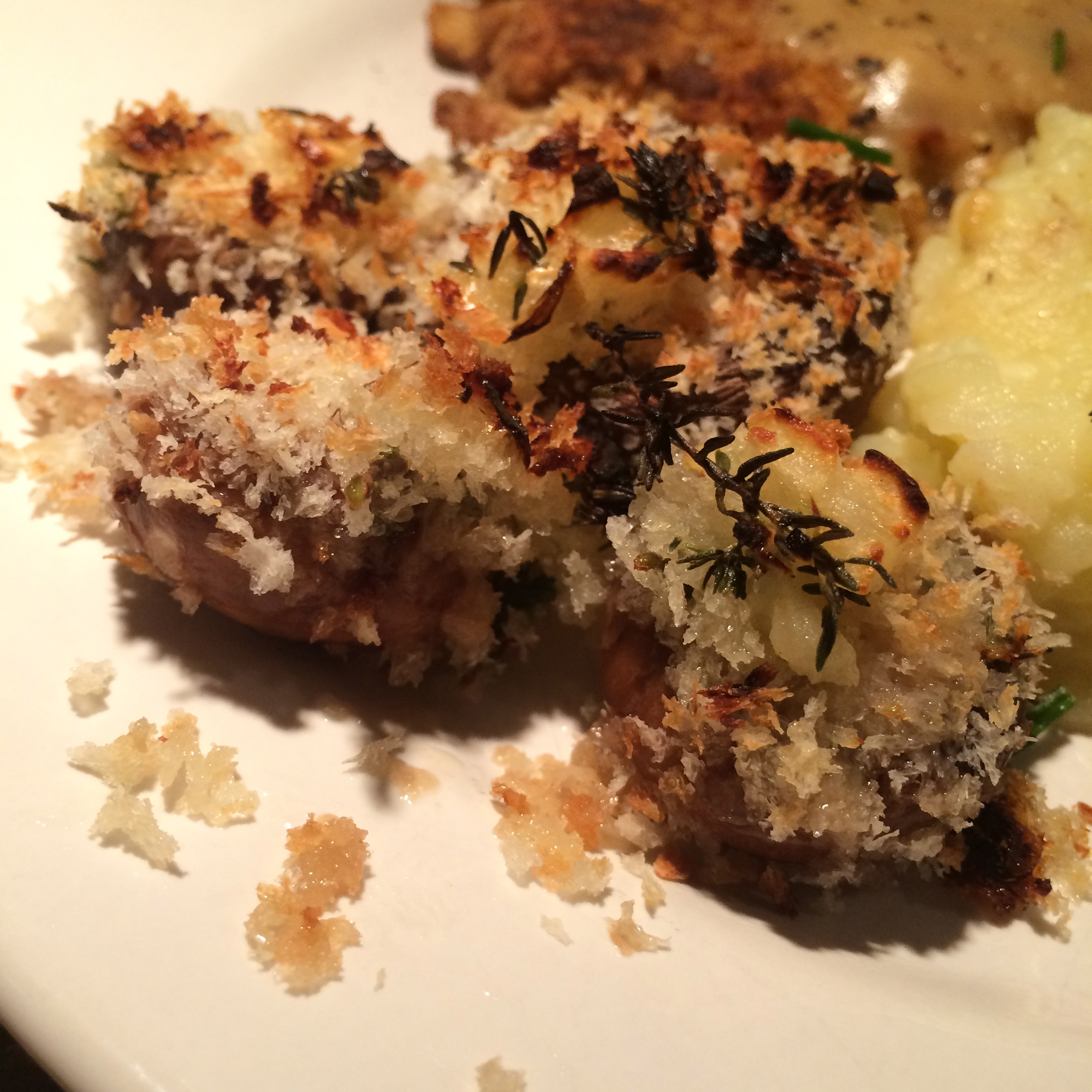 Thyme and Garlic Stuffed Mushrooms